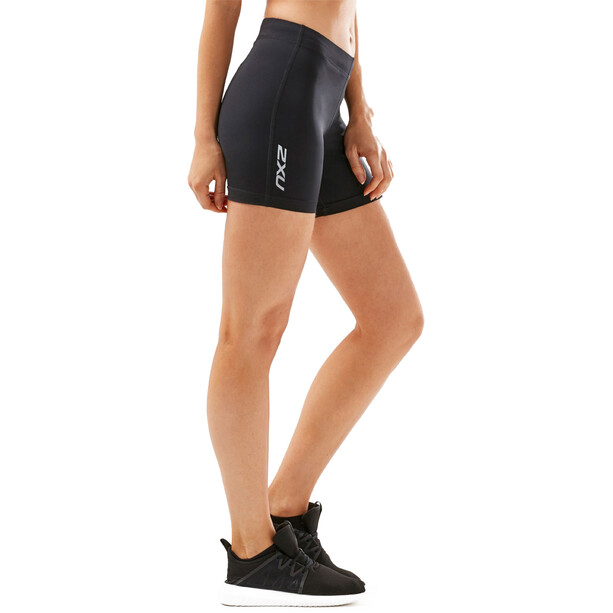 "2XU Aspire Comp 4"" Shorts Damen black/silver"