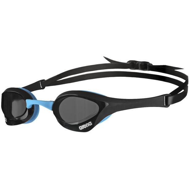 arena Cobra Ultra Swipe Brille dark_smoke,black,blue