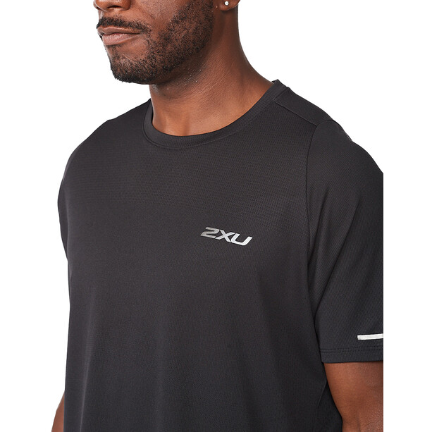 2XU Light Speed Tech Kurzarmshirt Herren black/black reflective