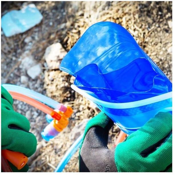 SOURCE Divide Widepac Væskeblære 2l, blå