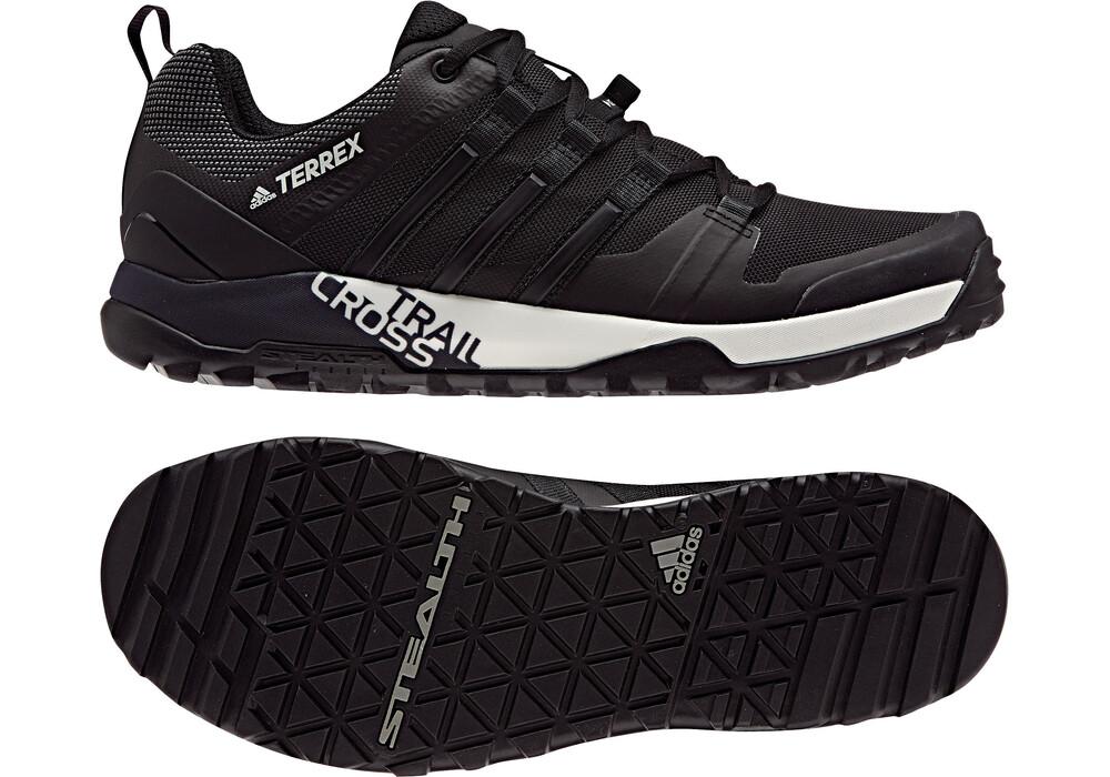 adidas terrex trail cross sl chaussures de running noir sur. Black Bedroom Furniture Sets. Home Design Ideas