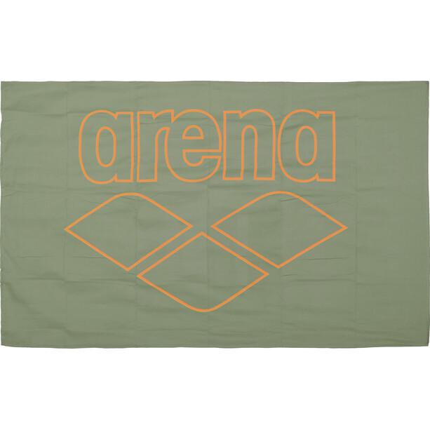 arena Pool Smart Handtuch grün