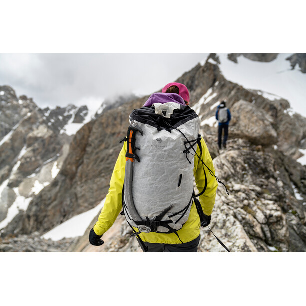 Mountain Hardwear Alpine Light 35 Rucksack white